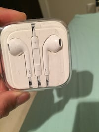 White apple earpods Vancouver, V6K 1Y8
