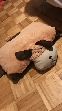 Plush brown dog pillow Rosemère, J7A 4J5
