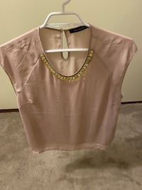 Light pink top Suzy Shier