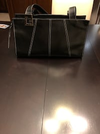 Guess Women's black leather tote bag Mississauga, L5M 6X9