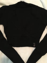 Lululemon cropped dance sweater Coquitlam, V3C 6J2