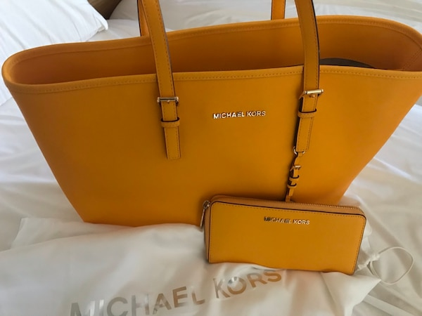 brown Michael Kors leather tote bag