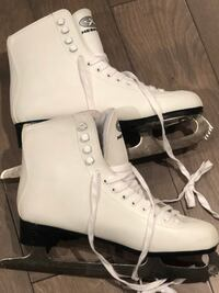 Size 10 ice skates used only 2 times!