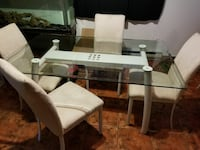 White glass table with 6 chaires