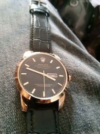 round gold-colored analog watch with black leather strap Santa Clara, 95050