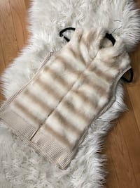 Guess white and beige fur vest women's