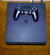 Ps4 with games on it. Great condition 180$ Upper Marlboro, 20772