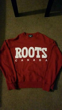 ROOTS crewneck Winnipeg, R2P 0H4
