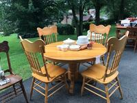 Round Pedestal Table and 4 Pressback Chairs South Park, 15129