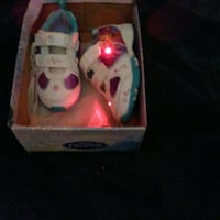 pair of white-and-pink sneakers Santa Ana, 92701
