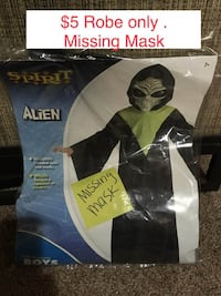 $ 5 Boys Hooded Robe Halloween Costume MISSING MASK -Size Medium 7-8. Pickup around Harlem and Addison Chicago Willing to Ship Ask for shipping prices. Cross posted on other sites Chicago