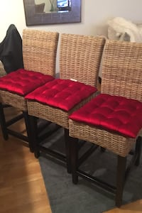 4 Counter stools with cushions