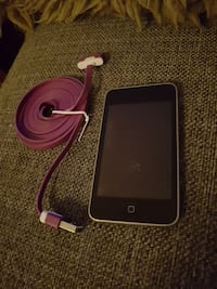 svart ipod touch 8gb med lader