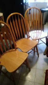 Set of 3 wooden kitchen chairs Columbus, 43222