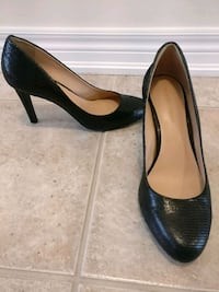 Arturo Chiang size 9.5 leather pumps Markham, L6E 1V9