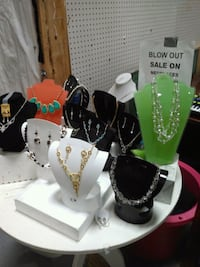 Brand new necklaces  Mississauga, L4W 1E1