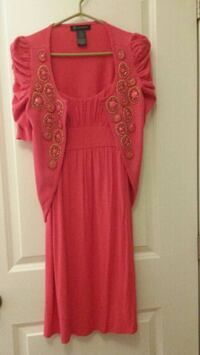 Ladies small dress with matching sweater. Aylmer, N5H