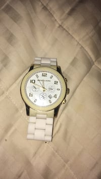 round gold-colored chronograph watch with link bracelet Kelowna, V1X