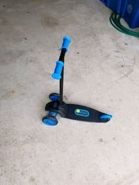 black and blue kick scooter Mississauga, L4Z 4B6