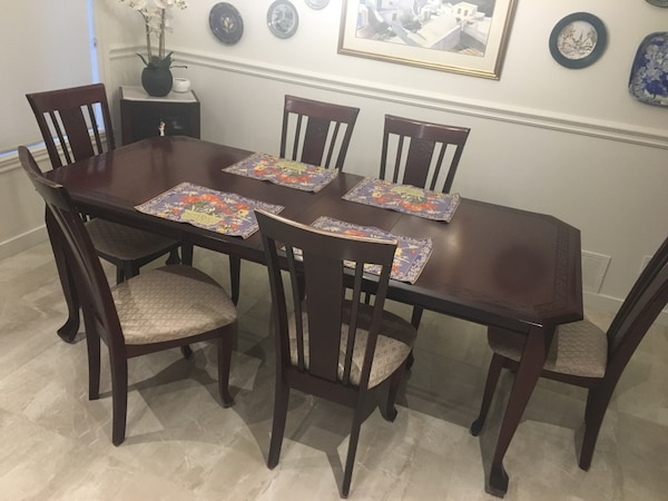 Beautiful Burgundy Solid Wood Dining Table With 6 Chairs
