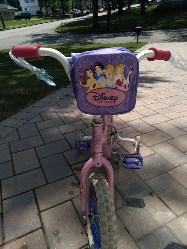Disney Princess 12in bike 6c64547a-8b86-4929-90ff-c42b553bec64