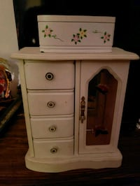 2 White Floral Jewelry Boxes Lindenwold, 08021