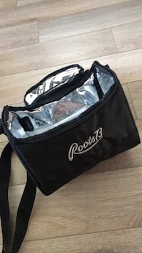 ROOTS lunchbox NEUF Laval, H7N 3V2