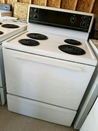 electric stove 100.00 Delivery available  London, N6J 1W6