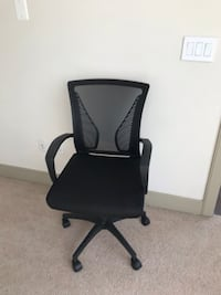 black leather padded rolling chair Arlington, 22204