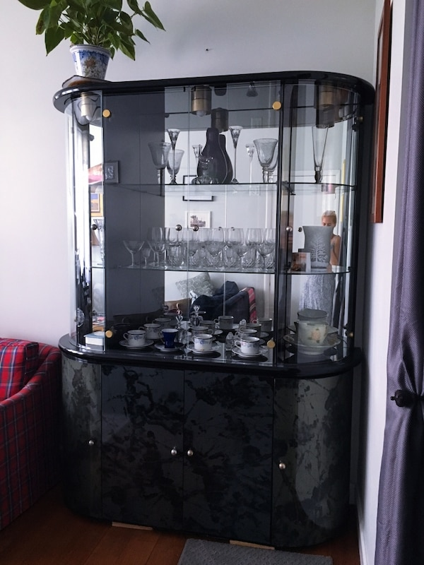 Used Vintage 90s Glass Door Cabinet In Great Condition For Sale In