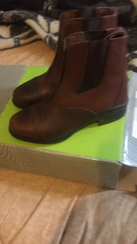 pair of brown leather boots Pawtucket, 02860