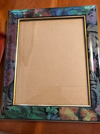 Hanging picture frame 8.5/11 Laval, H7M 5C1