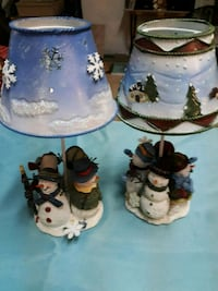 two white and blue ceramic figurines Akron, 44312