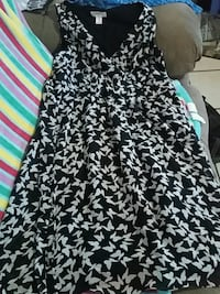Maternity size m shirts and dress obo Enterprise, 36330