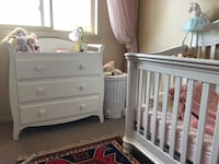 white wooden crib with changing table Cambridge, N1R