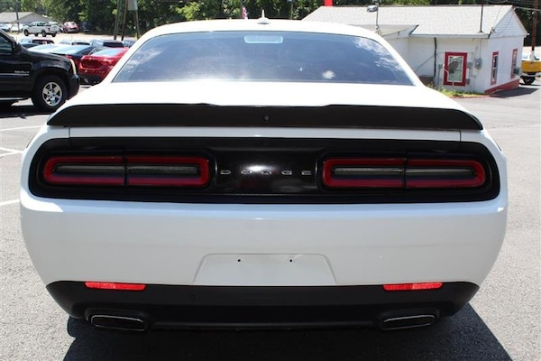 Dodge Challenger 2015 0c4be401-25c8-4a5f-986d-ca013fb0855b