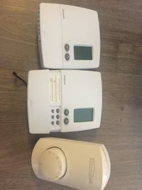 2 honeywell programmable thermostats and one dial thermostat  Vancouver, V6E