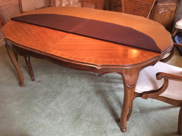 Used Dining room table and chairs for sale in Raleigh - letgo
