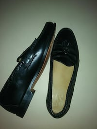 pair of black leather heeled shoes West Palm Beach, 33412