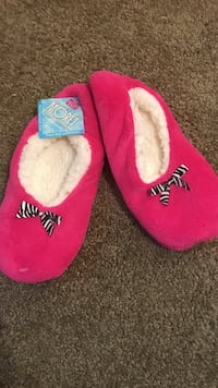Pink Moret Slipper Socks Grove City, 43123