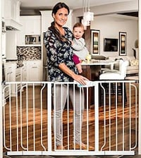 New, unused  Regalo WideSpan Extra Wide Baby Gate 514 km