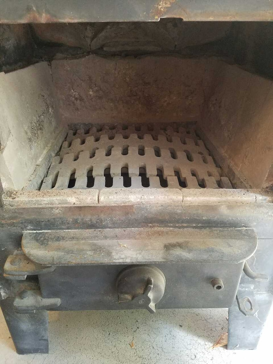 old Mill coal or wood stove - East Stroudsburg - Letgo - Old Mill Coal Or Wood Stove In East Stroudsburg, PA