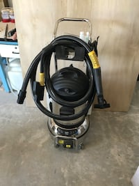 Steam cleaning machine less then 4 hours on it new condition. $3000 this machine is $4200 new plus shipping Anderson