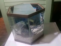 15 to 20 gallon octagon fish tank with new pump Lafayette, 47904