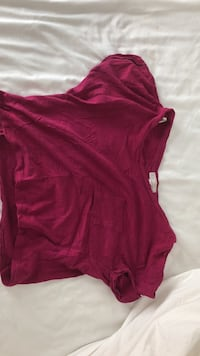 Pink crew-neck cap-sleeved shirt with chest pocket Calgary, T2E