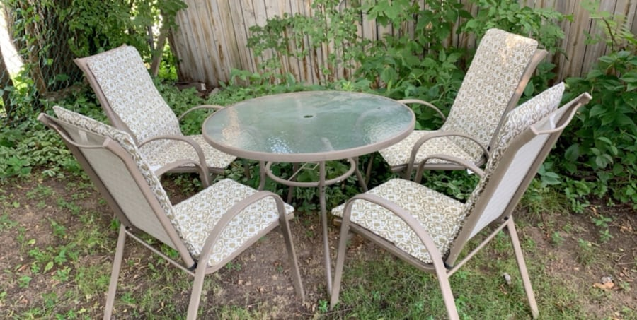 Patio set- table and 4 chairs with cushions b4284948-a953-472a-86fc-257e13ae5fb1