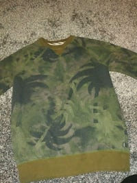 green and black camouflage crew-neck shirt Vancouver, 98661