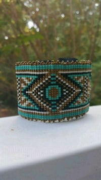 Navajo pattern seed bead and leather cuff bracelet Decatur, 30033