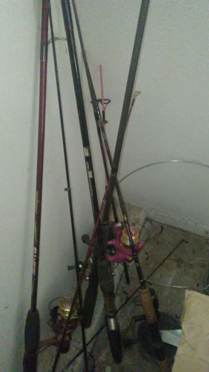 Letgo red fishing rod in fontana ca for Red fishing rod