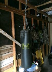 black and yellow Everlast heavy bag Osceola, 46561